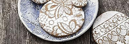 Biscuits decorated using lace